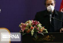 تصویر رزم حسینی: سیاست وزارت صنعت رقابتی ساختن خودرو سازی است