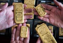 تصویر قیمت جهانی طلا نزدیک به پایینترین سطح ۹ ماهه باقی ماند