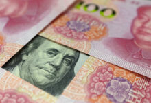 تصویر نرخ یوآن چین در برابر دلار به بالاترین سطح ۳ ماهه رسید