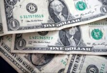 تصویر قیمت ۲۲ ارز در بازار بین بانکی کاهش یافت